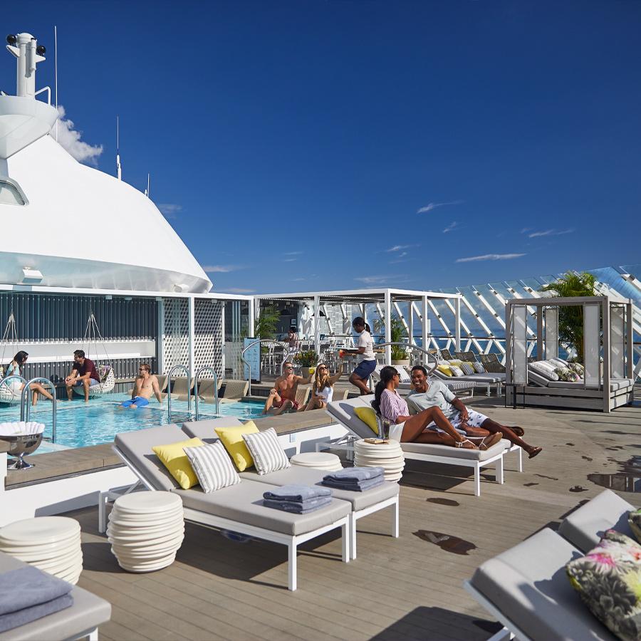 Bar la piscina The Retreat