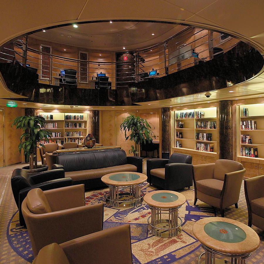 Biblioteca / Sala pentru jocuri de carti
