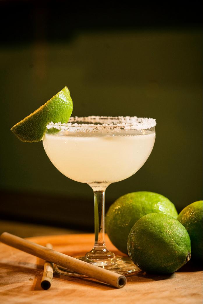 6 cocktail-uri clasice si povestea din spatele lor
