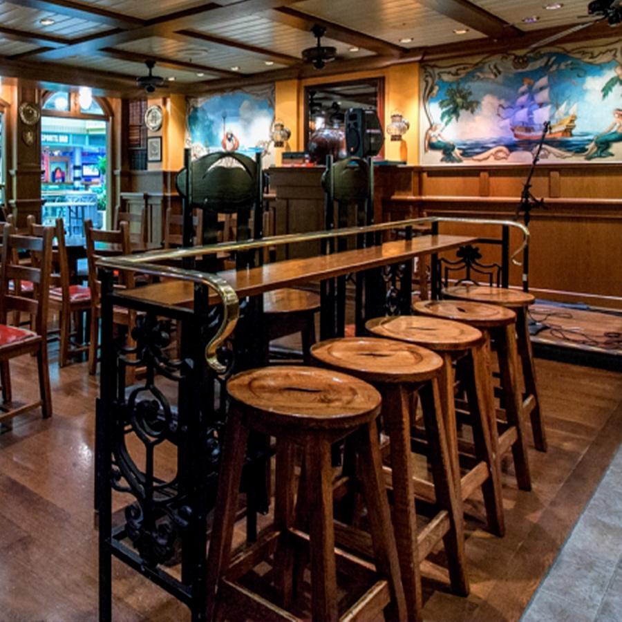 Two Poets English Pub